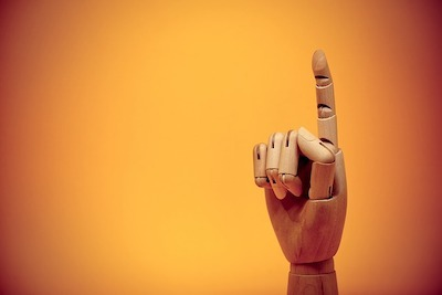 人差し指を立てる指人形