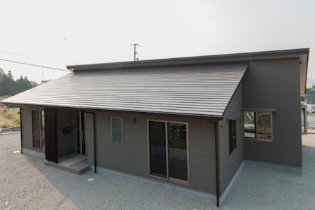 和モダンの家のイメージ画像