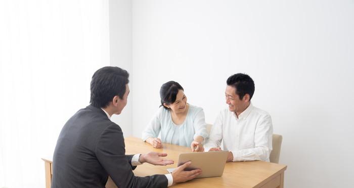 ハウスメーカーと工務店の違いを徹底比較!アフターサービスが優れているのはどっち?