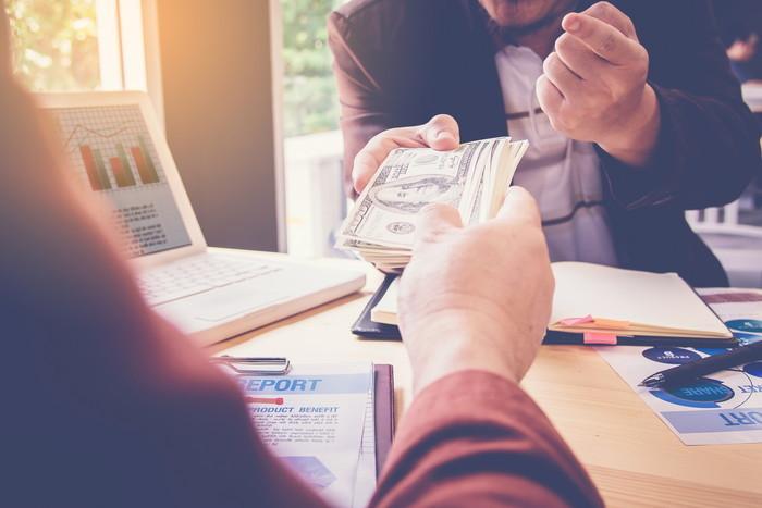 【保存版】つなぎ融資とは?手数料や申し込み条件、住宅ローンとの併用方法を解説!