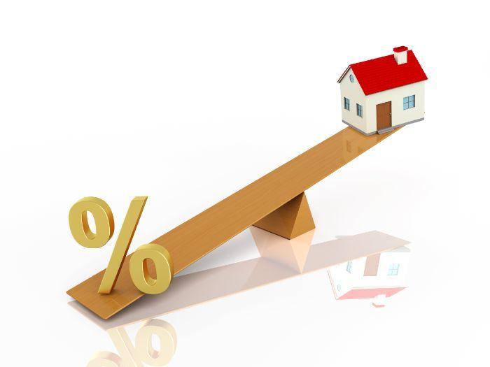 みんなの予想を大調査!住宅ローンの変動金利の今後