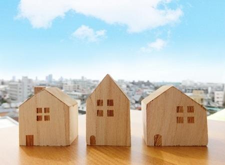 3軒の木の戸建