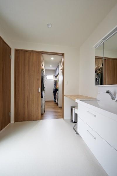 洗面・更衣室直結のウォークインクローゼット